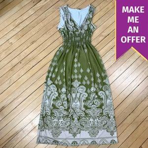NWT Jon & Anna Green & White Maxi Dress
